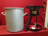 U.S Mirro 1941 10gal Aluminum Pot W/ Bass Pro Shop