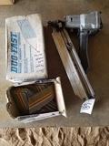 Duo Fast Air Nail Gun W/ (2) Boxes Of 2 3/8
