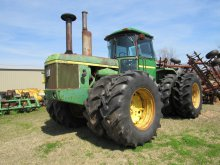 JD 8630 Tractor w/duals on front & back