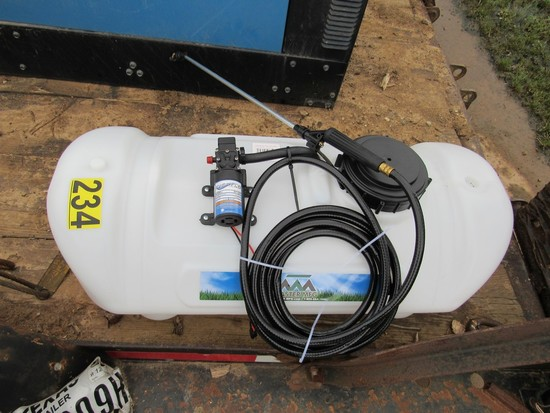 15 Gallon 12 Volt sprayer (Unused)