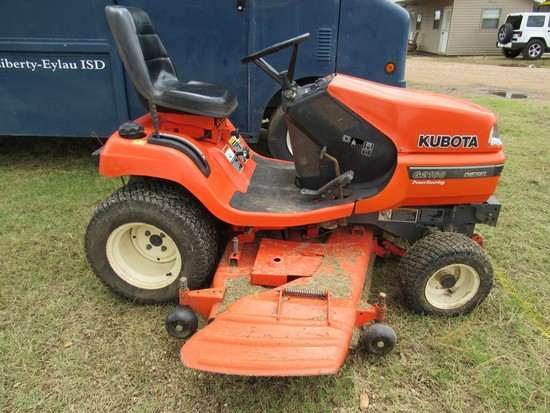 Kubota G2160 riding lawn mower