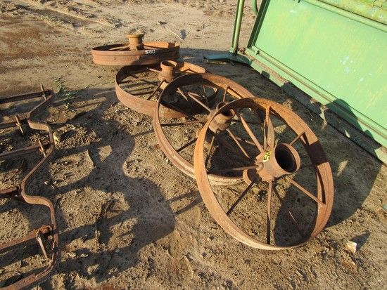 Iron wagon wheels (4)