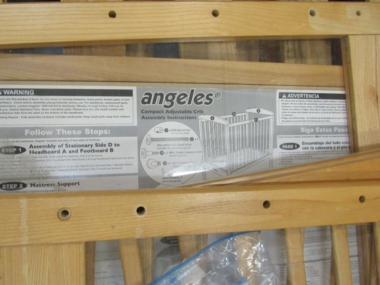 Angeles compact adjustable crib w/clear panels