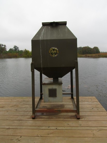 Texas Wildlife Supply 600lb Fish Feeder