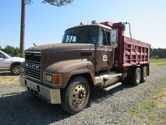2001 Mack CH613 Dump Truck