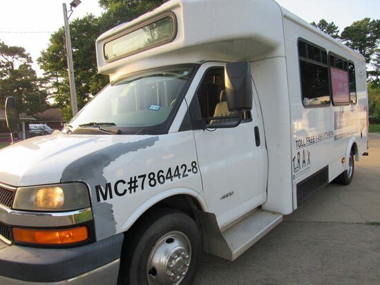 2010 Chevrolet 4500 Glaval Bus