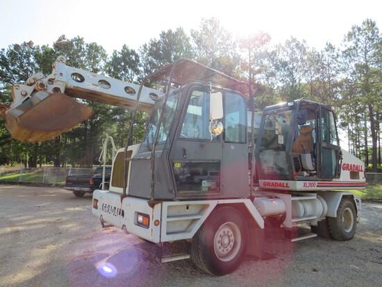 Gradall XL 3100 wheeled excavator