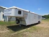 2003 CM Enclosed trailer