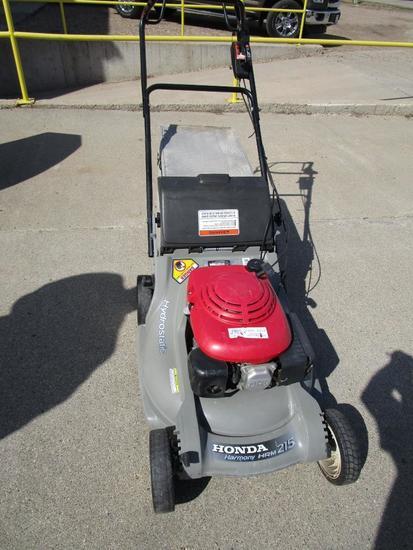 Honda Harmony push mower w/bagger self-propelled
