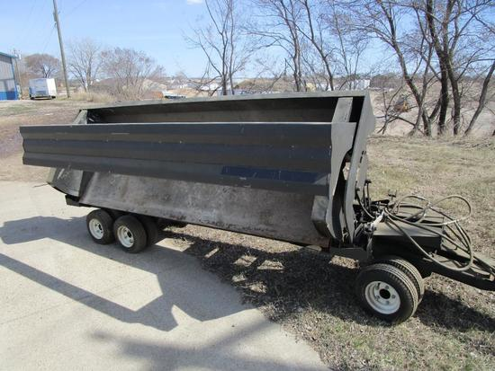 Hydraulic ¼ scale prototype side dump material trailer