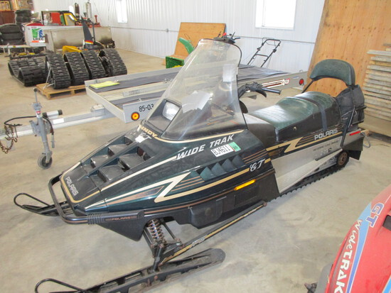 1996 Polaris GT 500 cc, wide track snowmobile,  two up seat, 543 miles (Runs good)