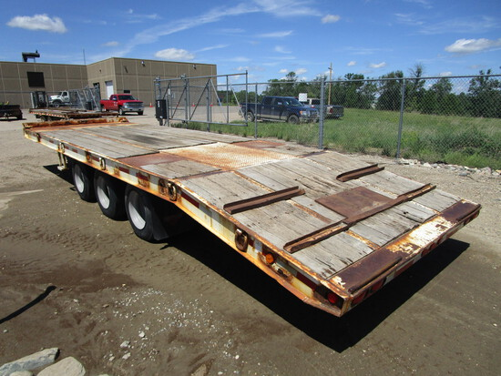 2005 Butler triple axle dully, 8' x 28' dove tail trailer, w/24' tilt bed, model# ETW 9400, new air