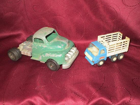 Tonka Blue Livestock Tandem Truck And Hubley 500 Series Green Semi Tractor