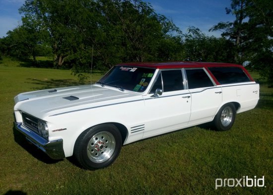 1964 Pontiac GTO Custom Wagon