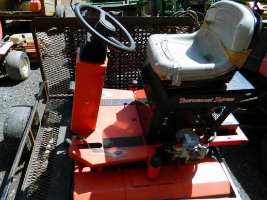 Smithco Model 7506 Tournament X-press Roller with Trailer