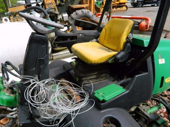 John Deere 3245C Fairway Gang Mower for Parts