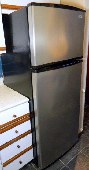 Whirlpool Model # ER8YHMXSL00 Refrigerator/Freezer, Stainless