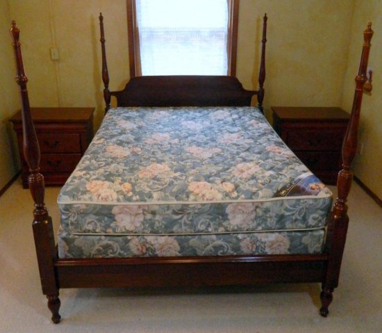 Four Post Queen Bed and Serta Mattress with Two Night Stands