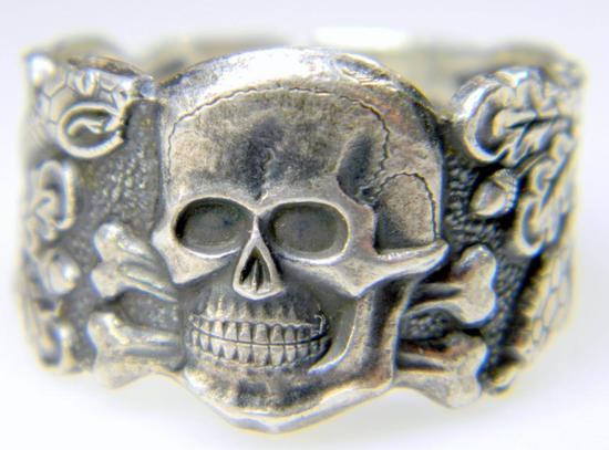 German Waffen SS Schutz Staffel Officers Skull Ring