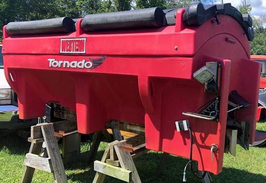 Western Tornado Hopper Spreader