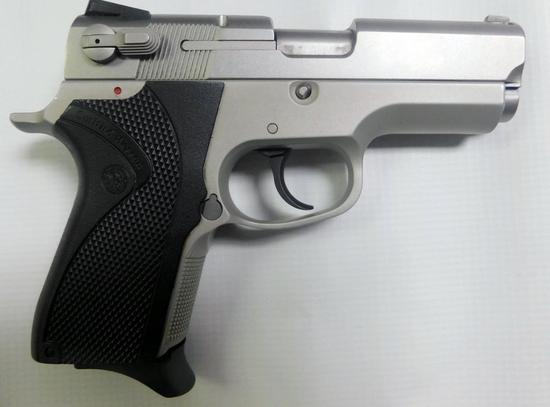 Smith& Wesson 4013 TSW 40 S&W Stainless
