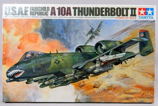Tamiya Aircraft Model Kit: USAF Fairchild Republic A 10A Thunderbolt II