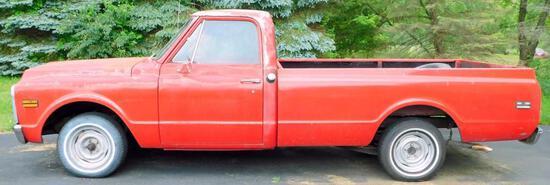 1972 Chevy C-10 Cheyenne Pickup Truck