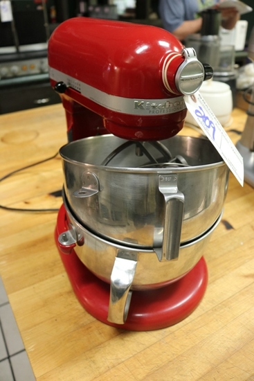 KitchenAid Pro 600 mixer with whip, paddle & dough arm