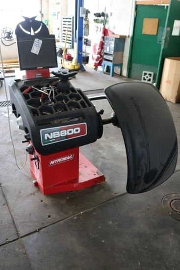 Nitromac NB800 wheel balancer - 2018 model