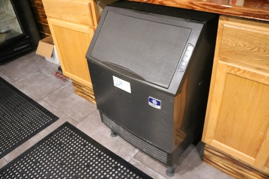 Manitowoc UD140A-161-B under counter ice machine – 2015 – 140# - air cooled