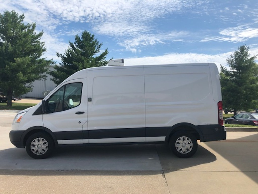 2016 Ford Transit 350 refrigerated cargo van w/ Thermo King V-300 Max roof