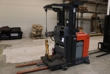 Toyota 7BPUE15 electric 3000 lb. fork truck with charger - excellent condition - 3956 hours - 2014 -