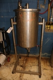 Portable hanging stainless tank - filter?
