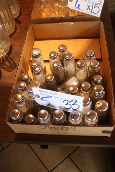 All to go - 33 Salt & Pepper shakers