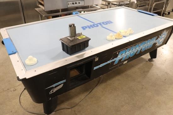 Dynamo Photon coin operated air hockey table - works fine.