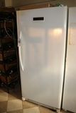 Frigidaire 22 cuft upright freezer - needs cleaned