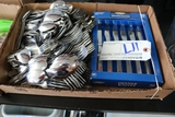Box flat to go - Large amount of silverware