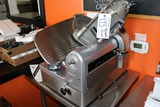 Hobart 1712 automatic slicer - knob is broken and needs parts - have to man