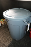 Rubbermaid 32 gallon Brute barrel