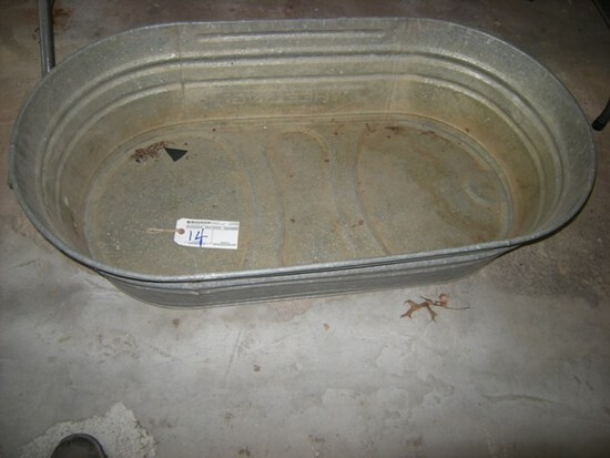 Oval wash tub