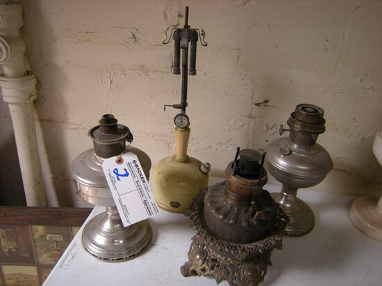 All to go- 4 vintage oil lamps