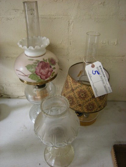 All to go- 3 vintage oil lamps