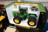 John Deere Ertl 9620 tractor - Die cast metal - 1/16th scale