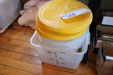 Times 3 - Food storage containers; no lid for square