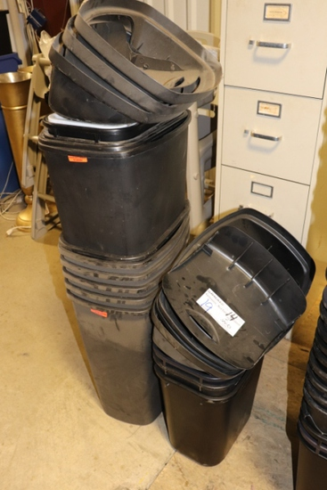 All to go - 14 trash cans