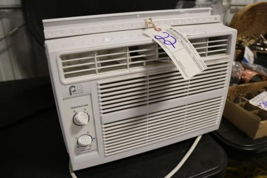 "Perfect Aire 5000btu window air conditioner - 12"" x 19"""