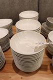 Times 46 - 10 white Tuxton bowls