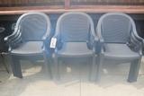 Times 12 - Groslillex plastic patio chairs