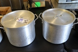 Times 2 - 24 quart aluminum stock pots with lids