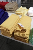 All to go - Vintage gold table linens